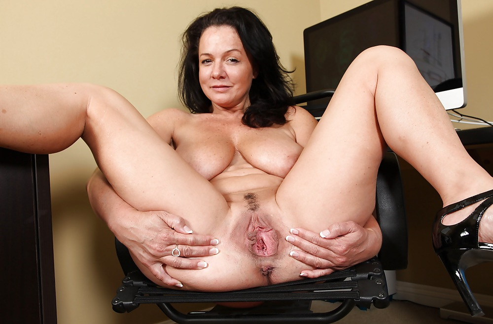 Mature women solo sex #5