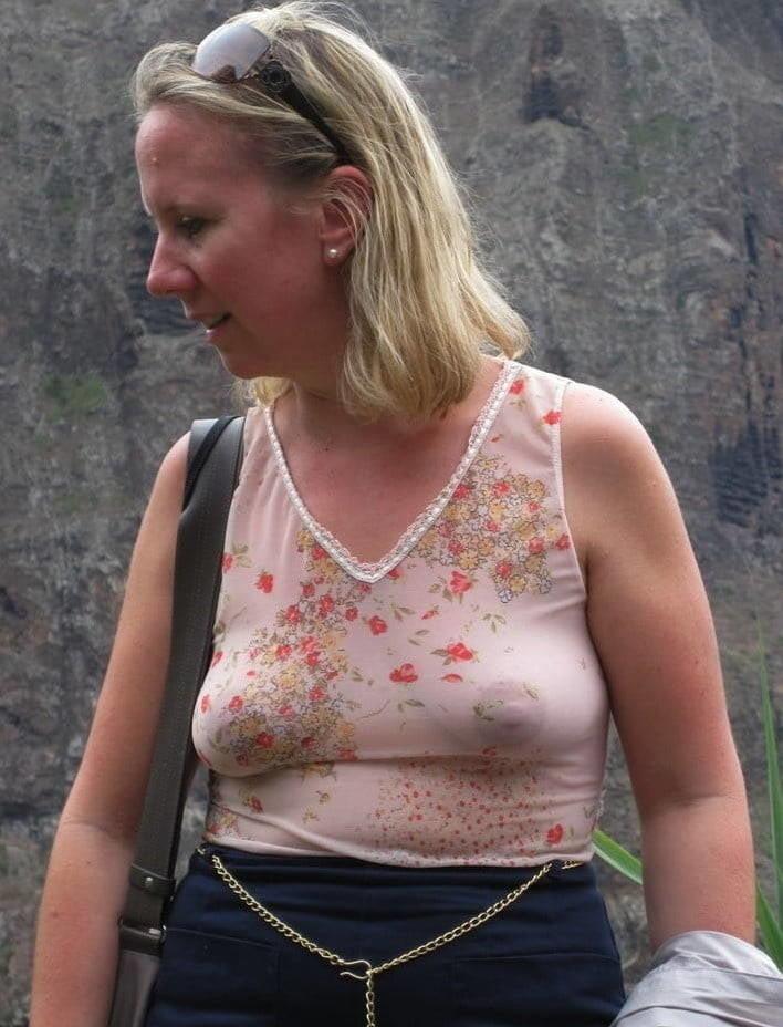 free-photo-mature-braless