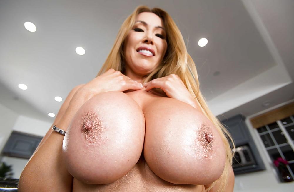 Big Tits Milf Kianna Dior Creampie Pov With Outdoor Blowjob
