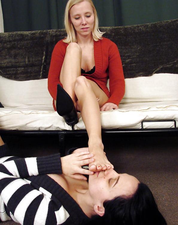 Lesbian foot fetish porn pics