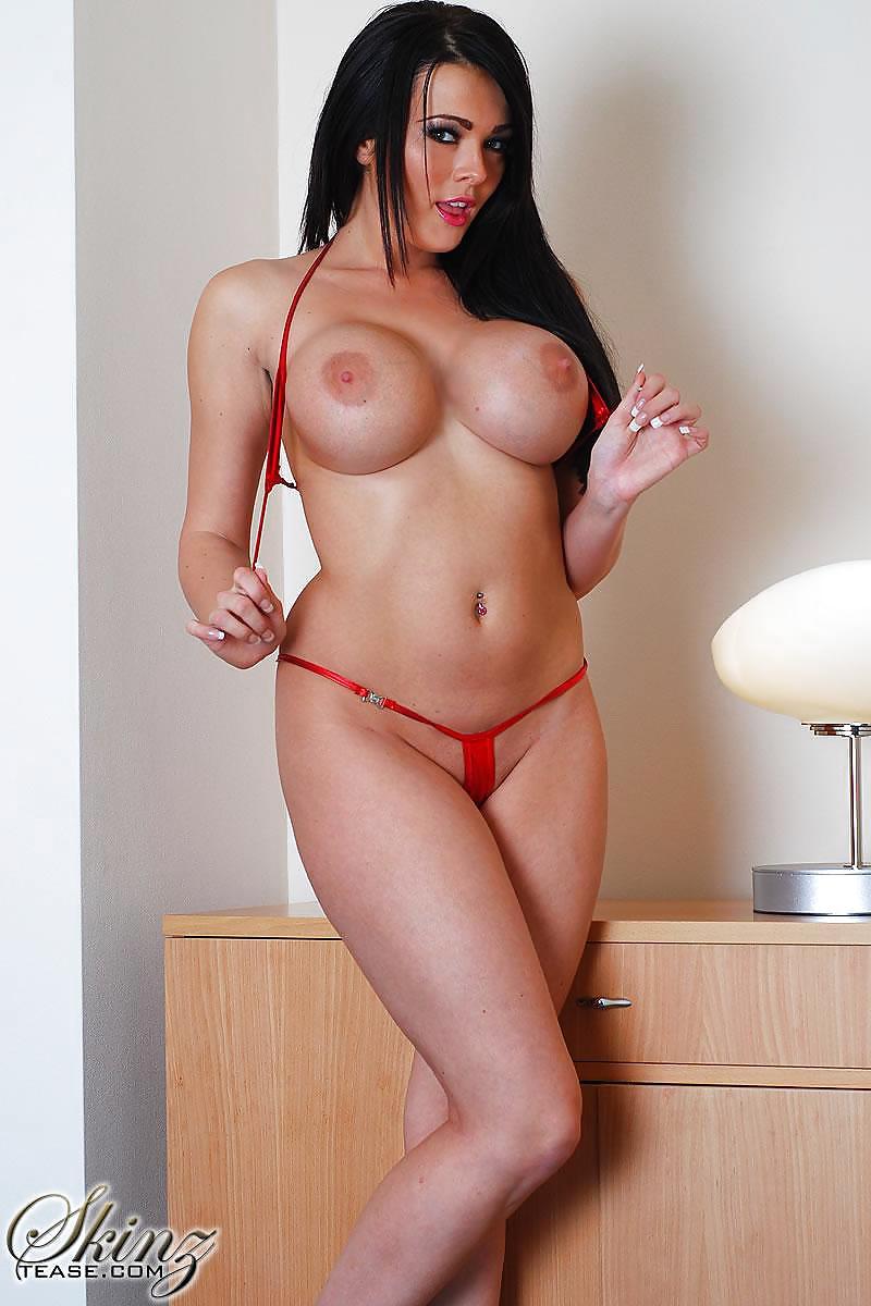 Live image of naked babe