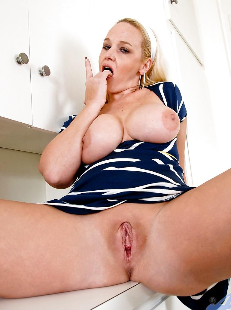 Big tit blonde cheerleaders milf