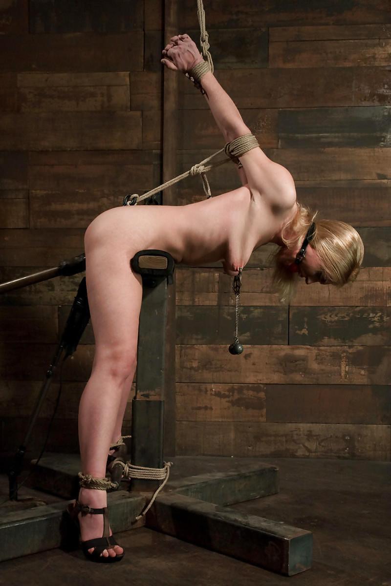 bdsm-anal-hook-hanging-rope-japan-pussy-oral-sex-girl