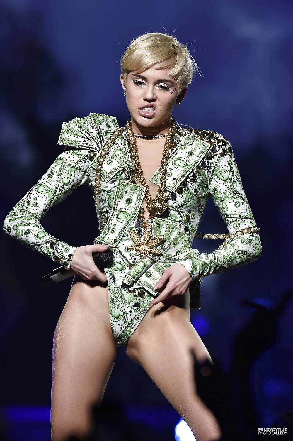 sluts-pictures-miley-cyrus-hot-you-free