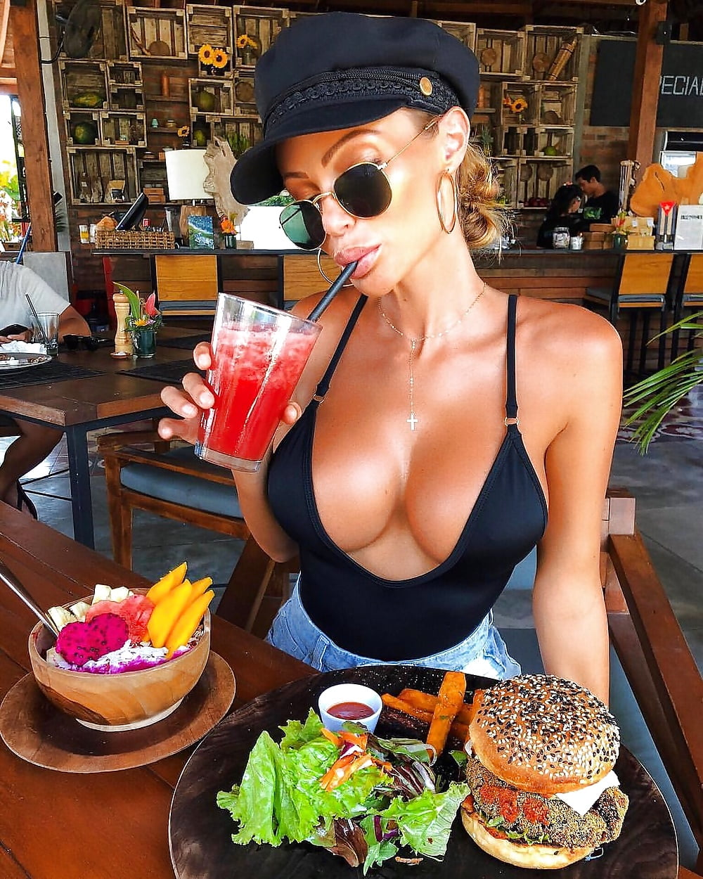 Ricky hatton's breakfast snap stuns fans as huge pair of breasts take spotlight