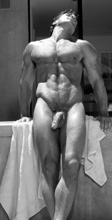 Naked male full frontal — pic 1