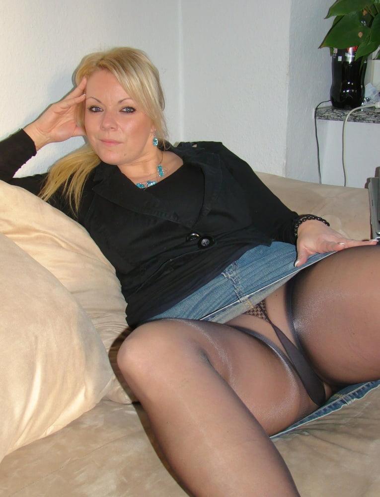 Sexy Mature Pantyhose