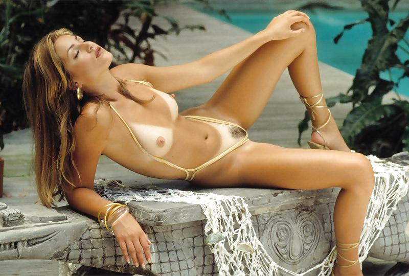 Elisa Bridges Nude On The Pool Table