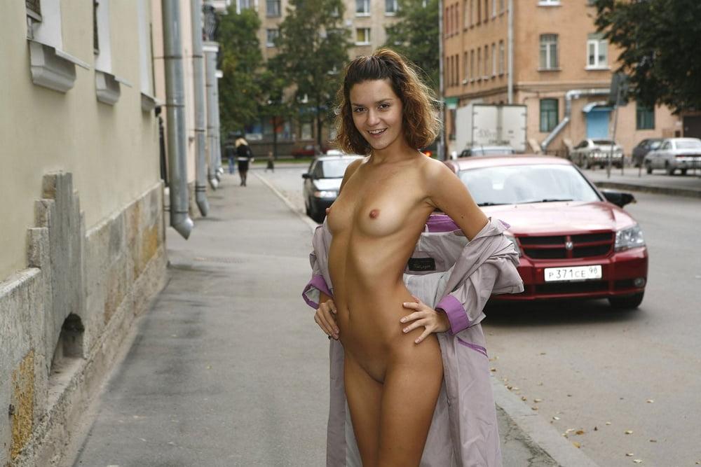 Nudity on hussian streets — img 2