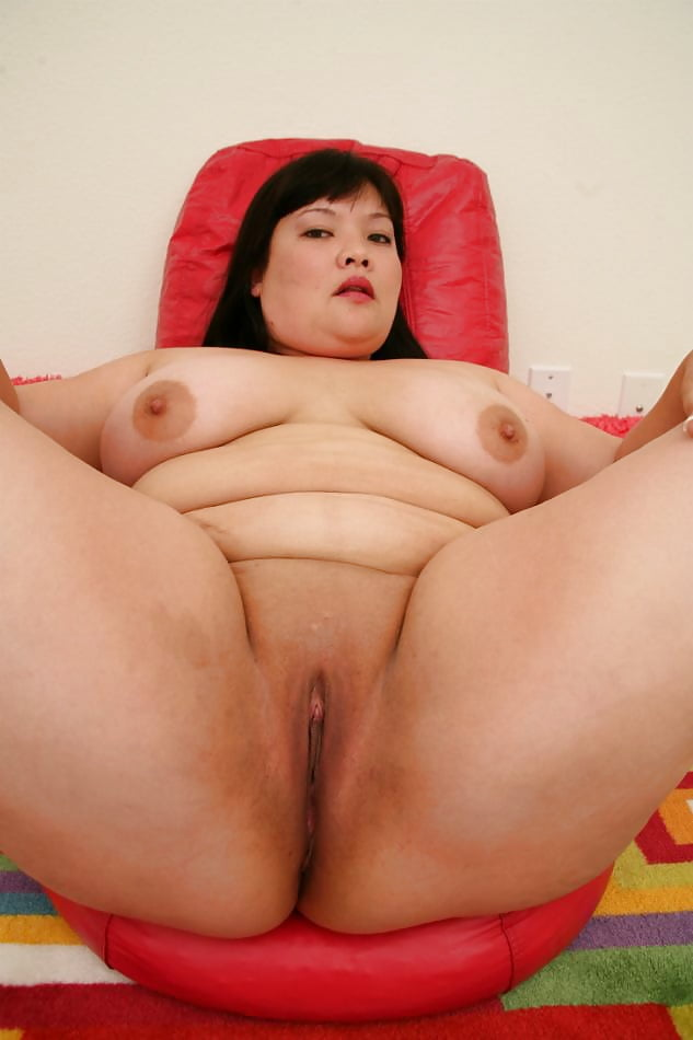 plump-nude-asian-woman