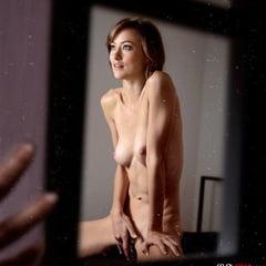 Boyle nackt Flynn Lara Lara flynn