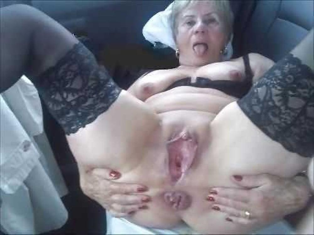 Bisex Grossmutter Liebeskugeln Massage