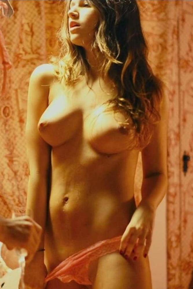 Ursula Corbero- 143 Pics
