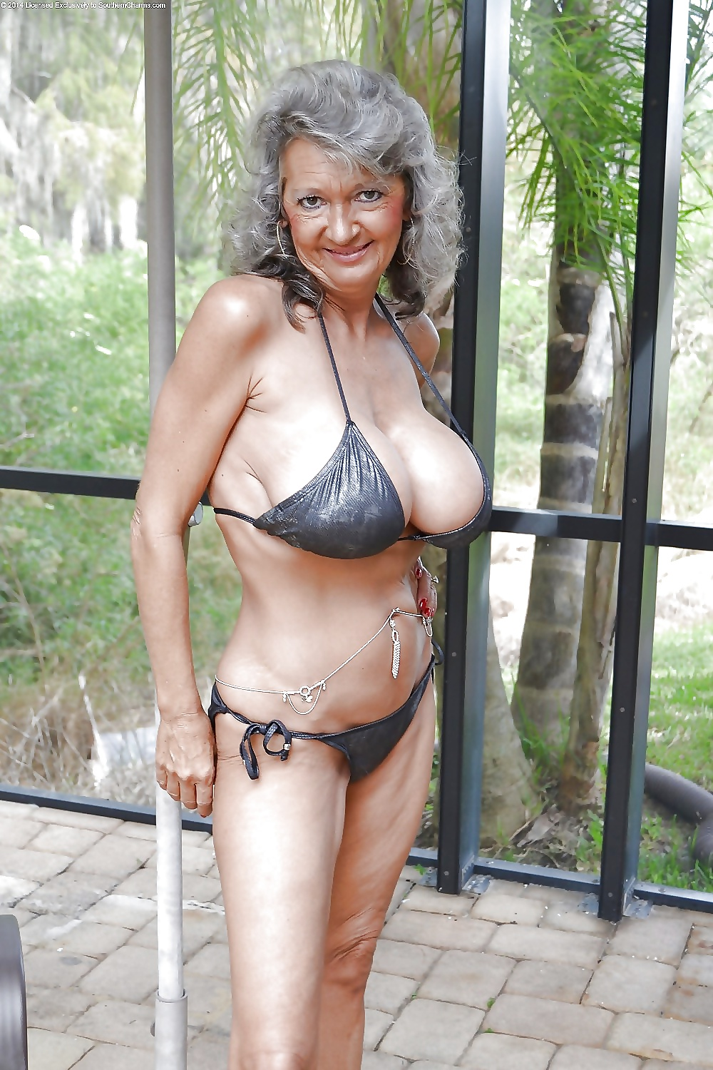 Sexy swimsuit grannies — pic 12
