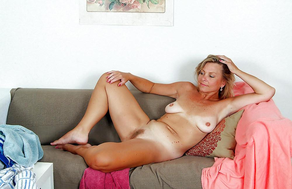 Mature ladies strip