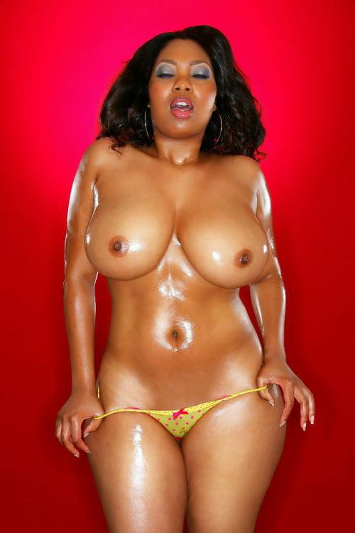 Curvy latinas big aeriolas