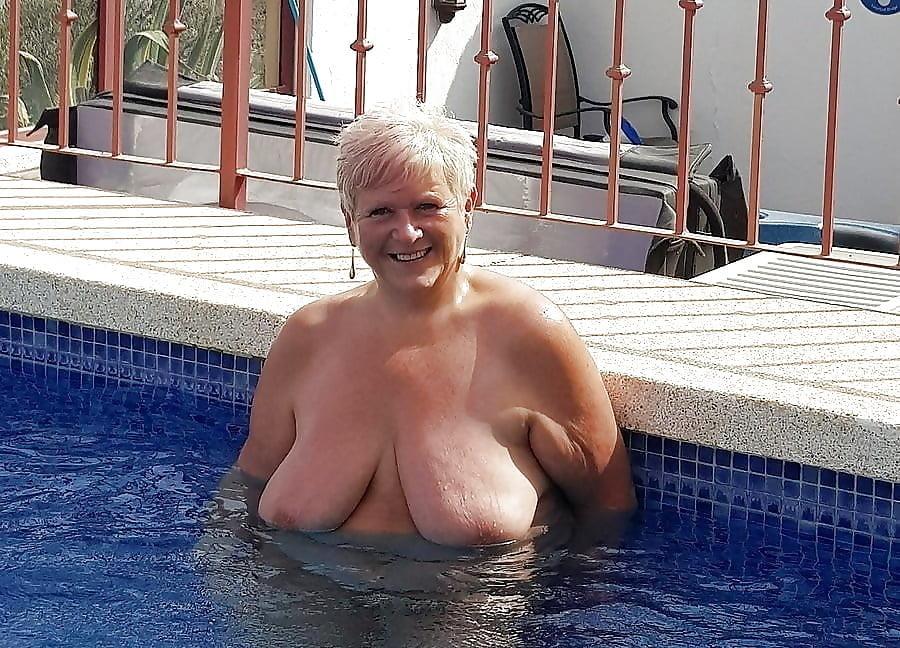 Zuzanna op zoek naar grote borsten - 1 part 10