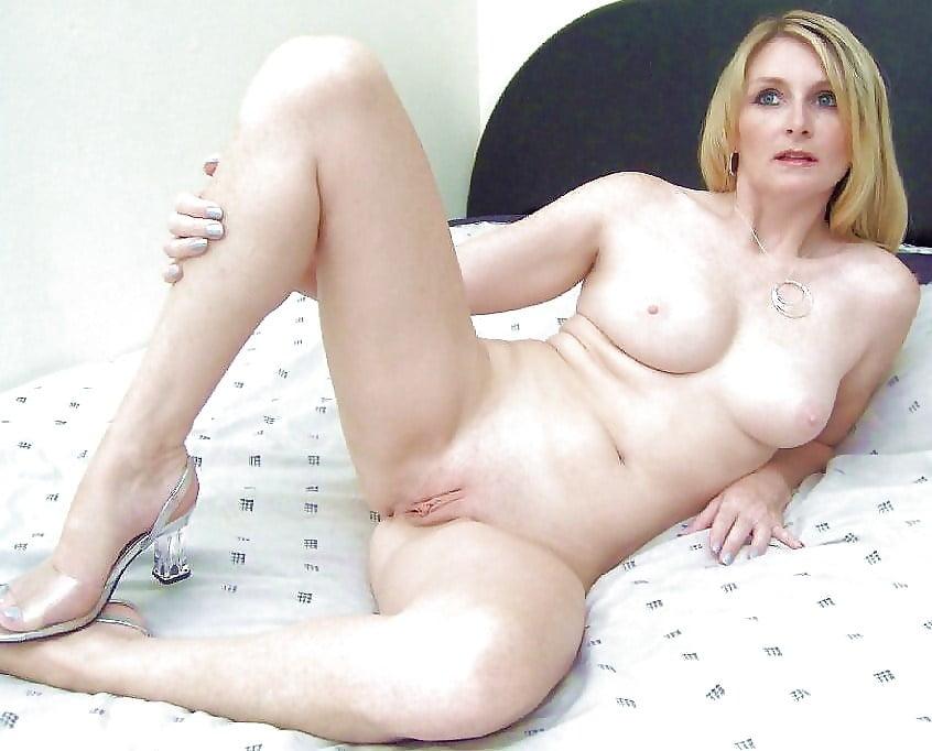 Pretty Older White Woman Naked