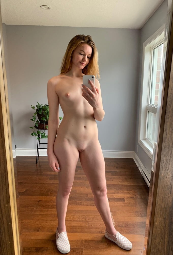 Gira blonde girl set-2 - 35 Pics