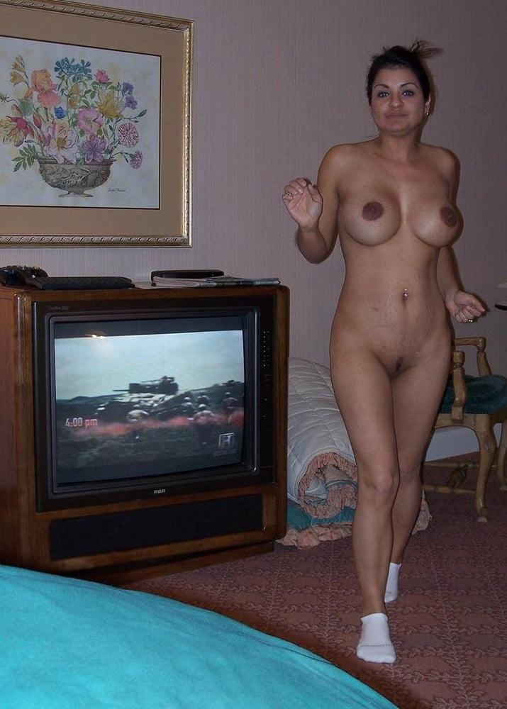 фото голых баб в домашней обстановке истошно кричала