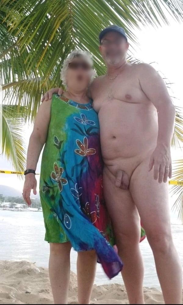More slut and friend - 6 Pics