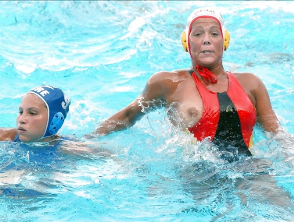 erotic-water-polo-sex-naked-people-picture-artist