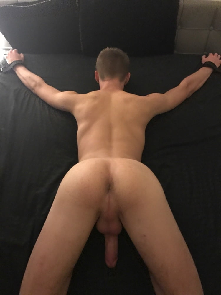 Gay bodybuilder bdsm