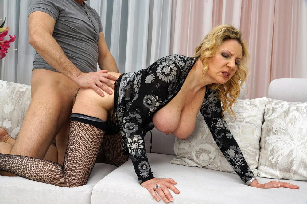 Online adult dating beautiful ladies seeking seduction frankfort