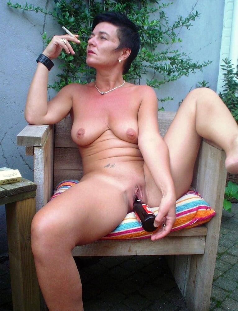 Beste schwarze dame mit flasche