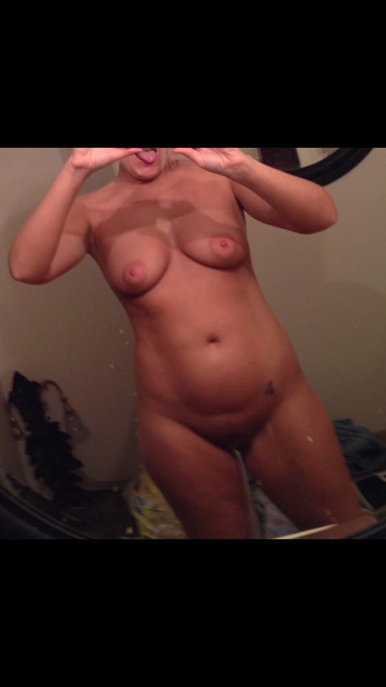 Married hot wife exposed - 15 Pics