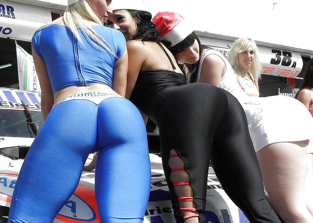 naked-girls-and-spandex