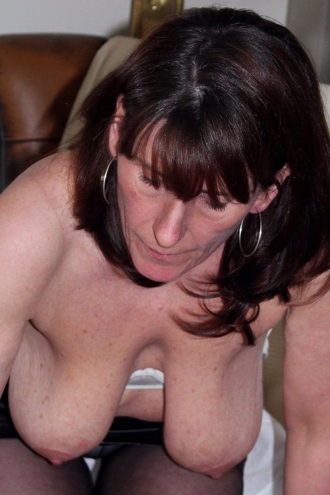 Let those big boobs hang #18 pro-boobs - 32 Pics