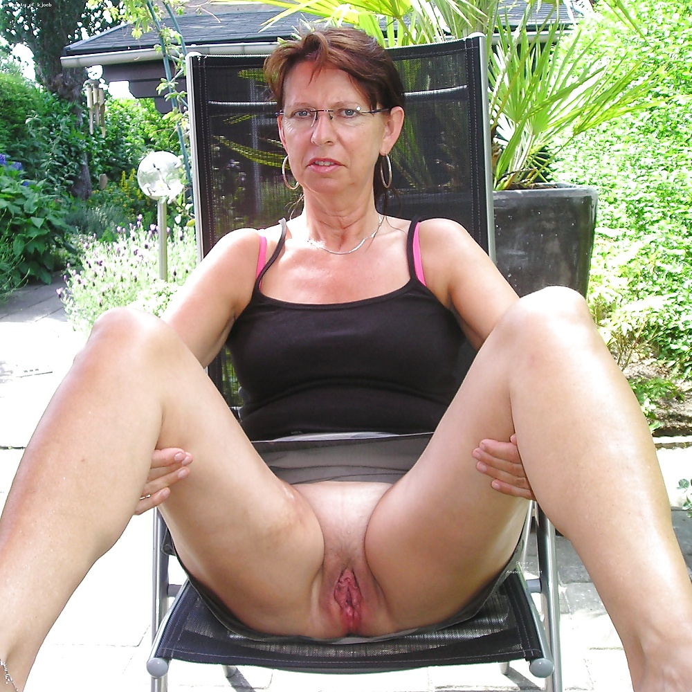 Amateur Mature Granny Wife