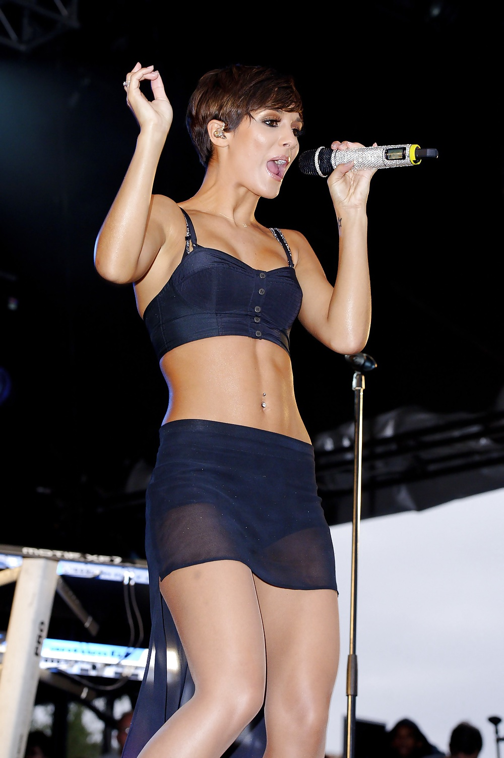 Frankie Sandford Showing Her Pussy Upskirt While Exiting