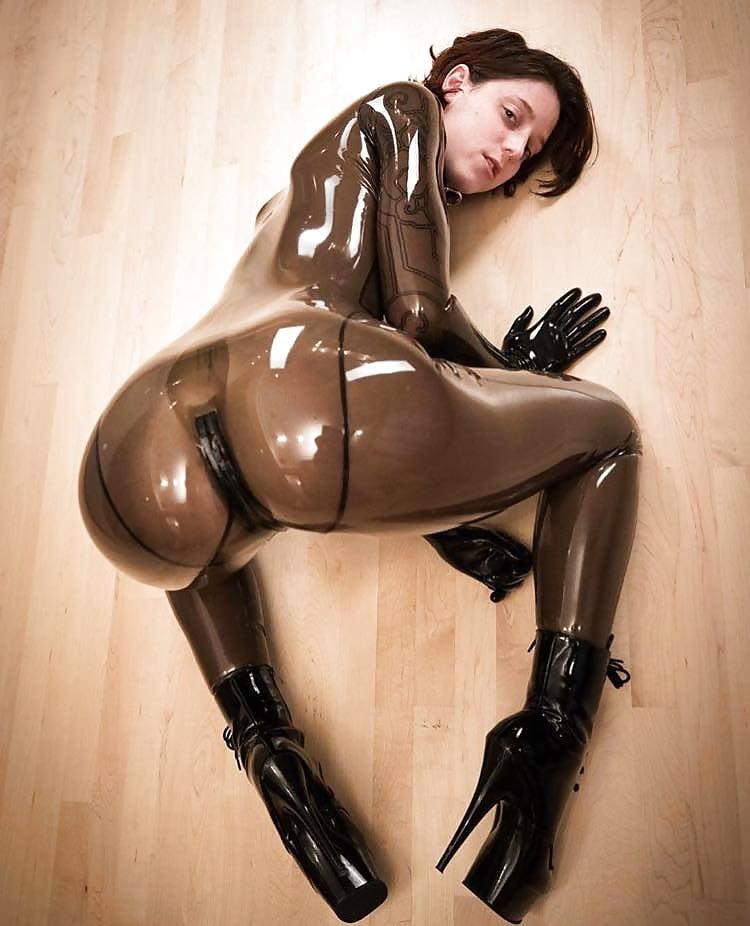 sexy-nude-latex-girl-facial-cum-bukkaki-video