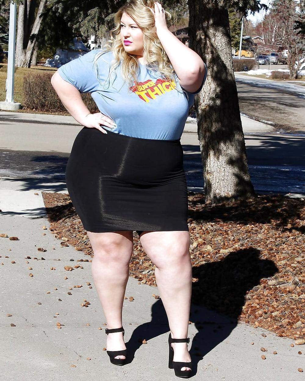 fat-wife-in-mini-skirt-in-walmart