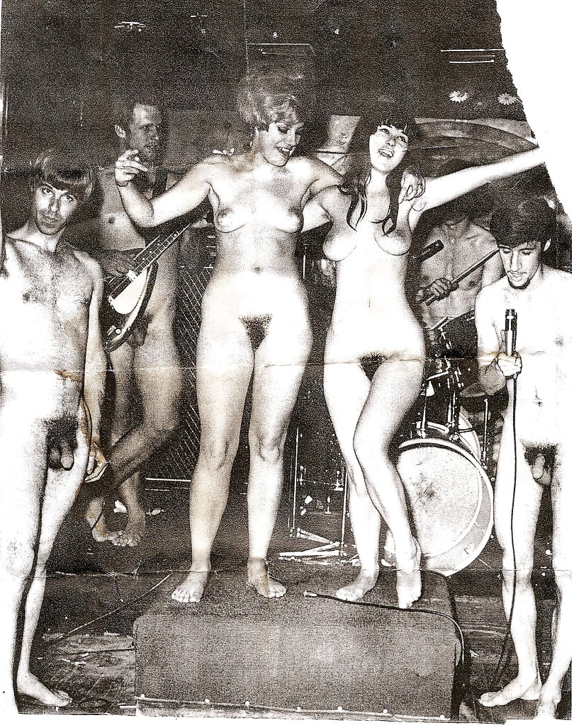 naked women in band