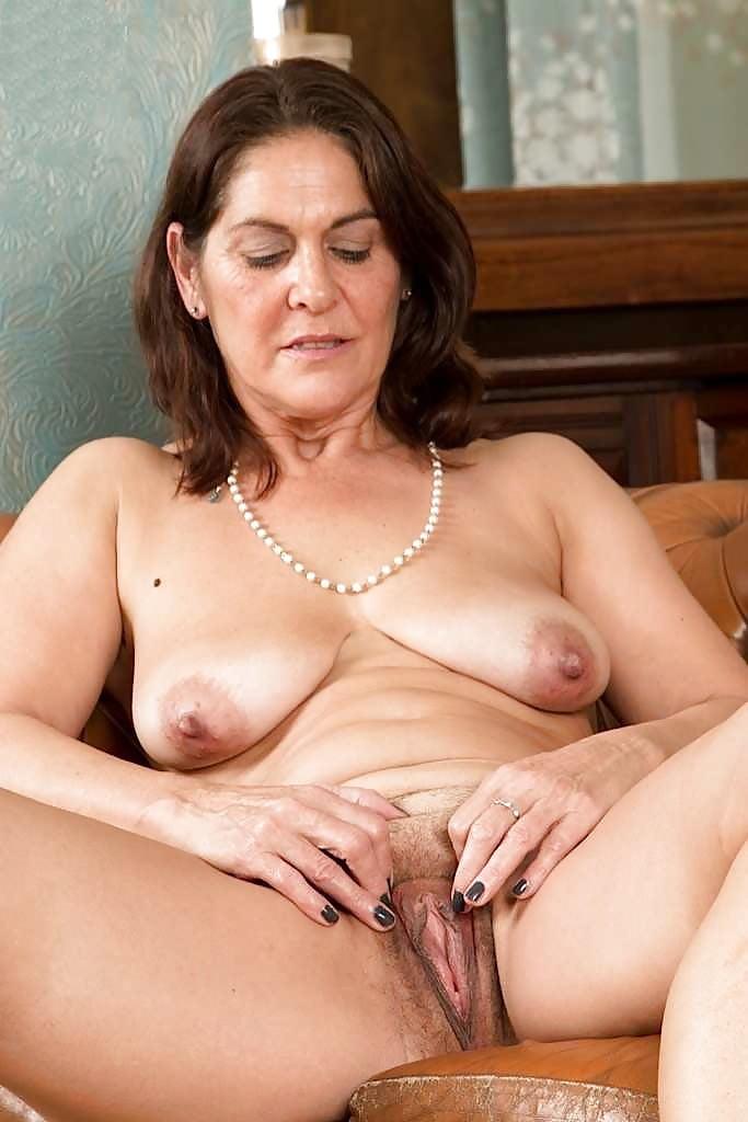 Amateur Wife Big Saggy Tits Pussy