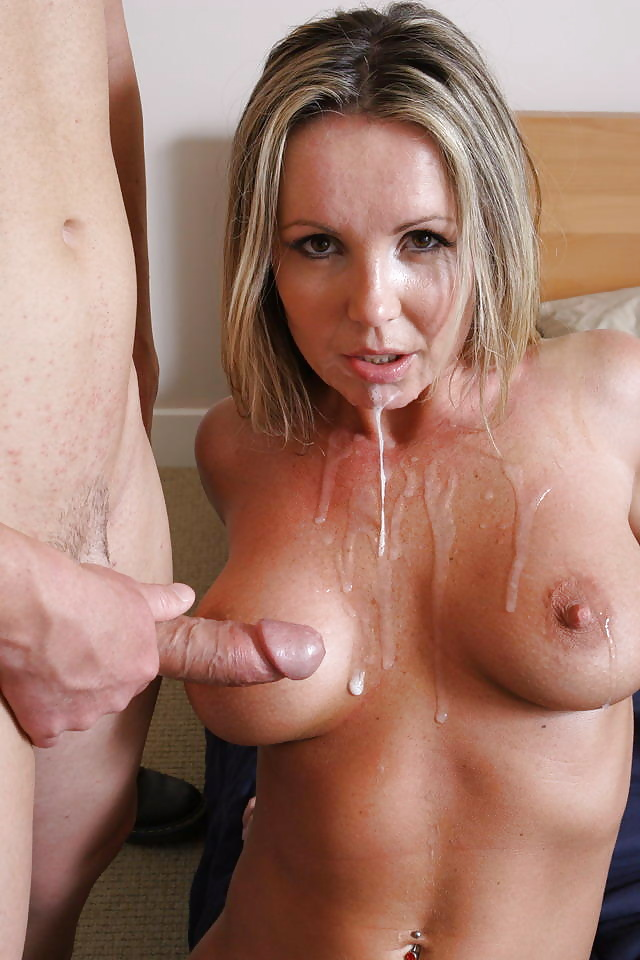 naked-cum-mom-girl-in-short-short-porn