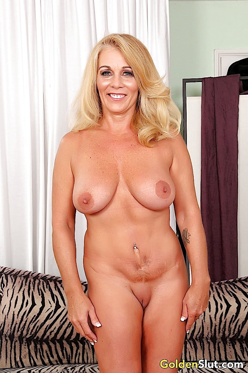 Mature nude blonde