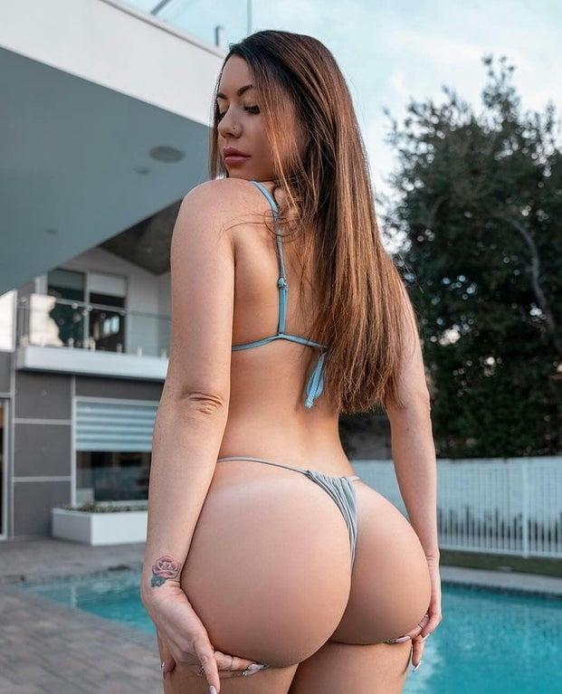 Some hot bikinis - 20 Pics