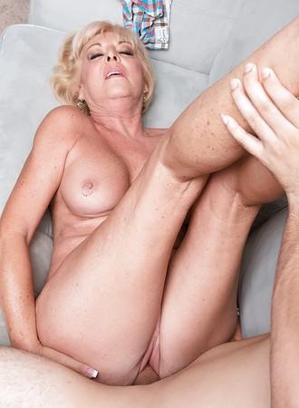 granny scarlett fuck young guy