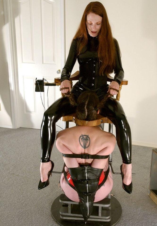 стул для оральных утех госпожи них