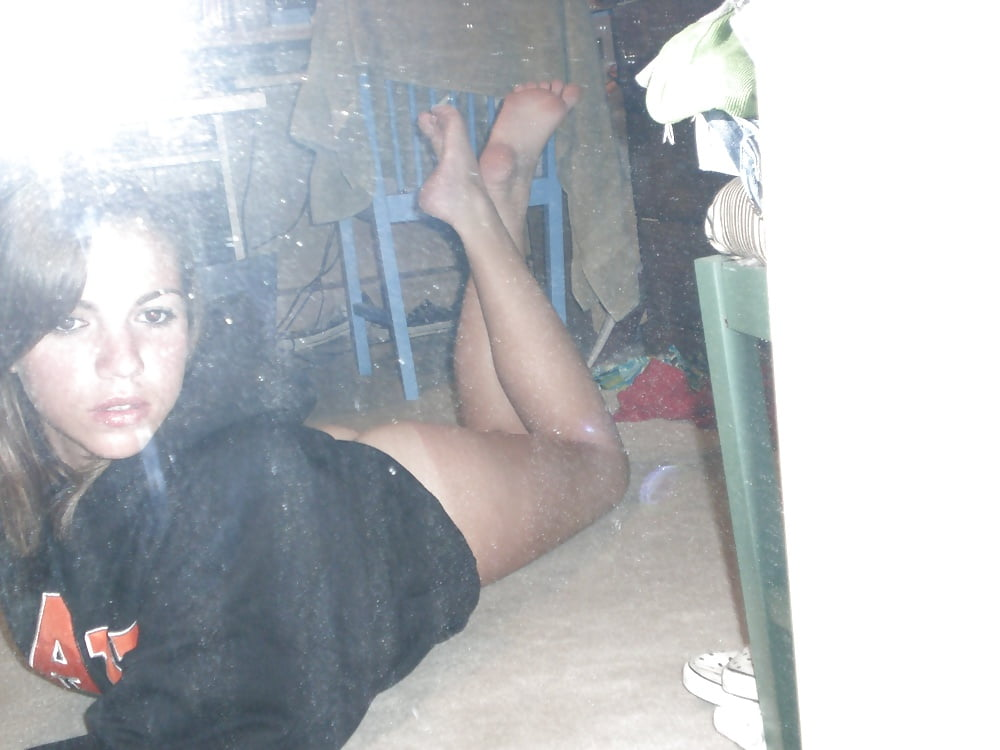 Teen coed nude
