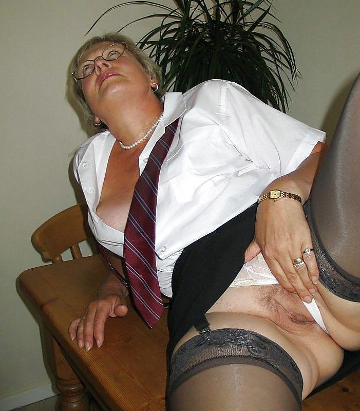mature-school-girls-public-nudity-pictures
