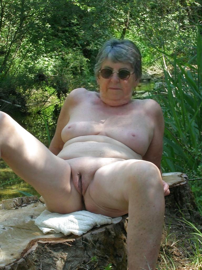 sexy latina bums and boobs