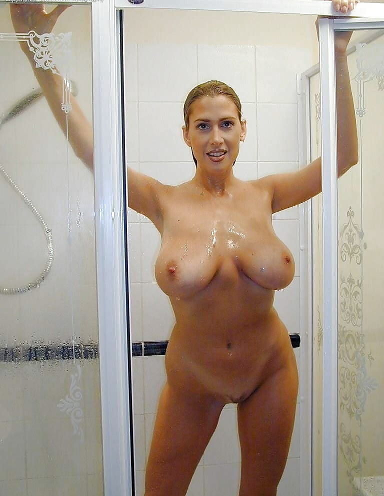 Busty curvy uk amateur in the shower