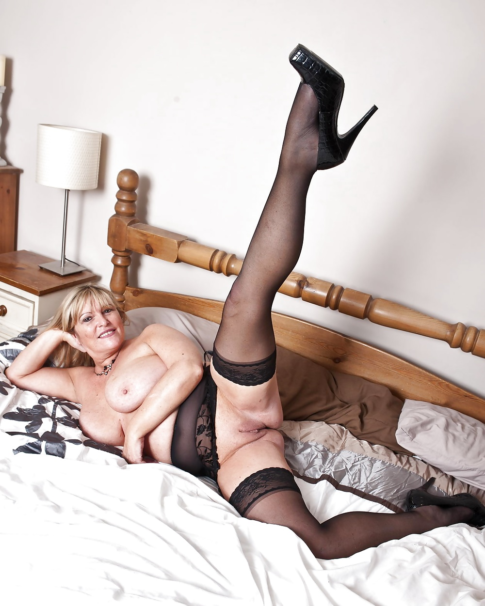 Snapchat mature naturals in stockings videos