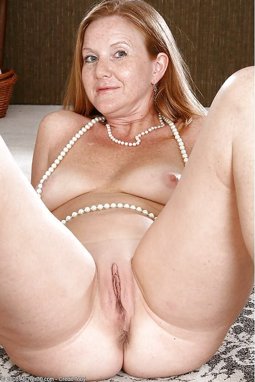 Naked mature gallery-8680