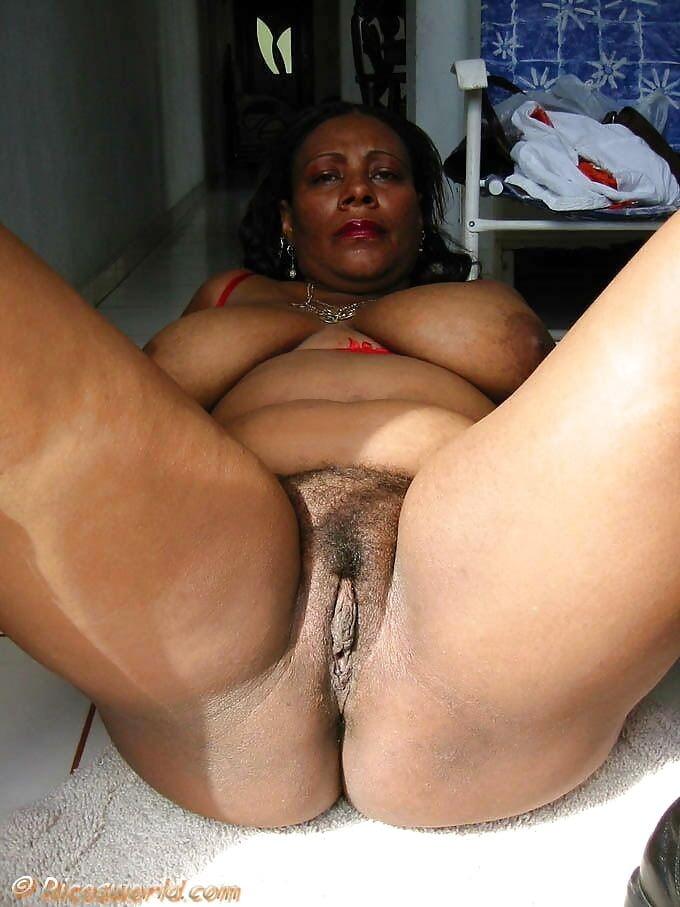 Ebony Grannies Porn